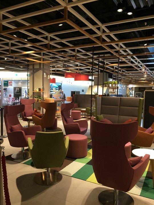 Lounge und Deckenkonstruktion